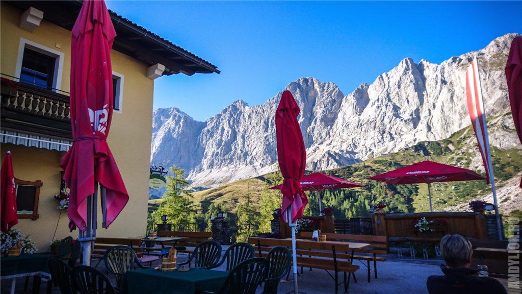 Вид на стену Дахштайн из ресторана Hunerkogel