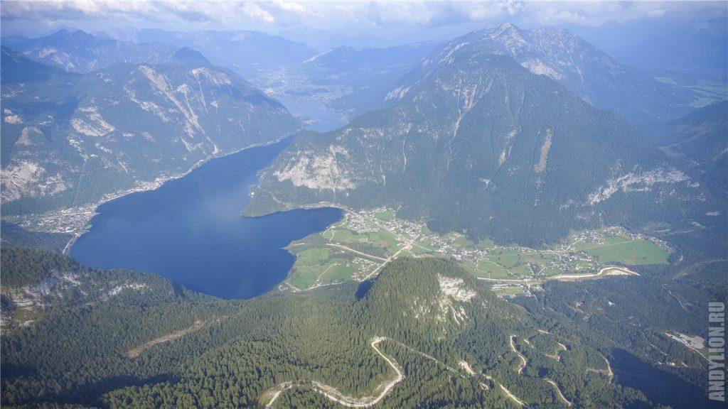 Гальштат, Обертраун и Гальштатское озеро. Панорама с воздуха.