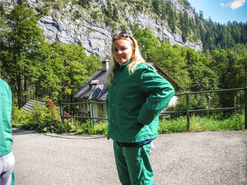 Аня собирается в шахту
