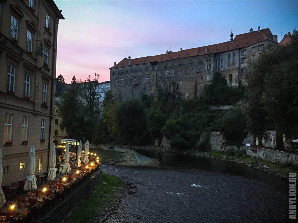 Влтава и Крумловский замок