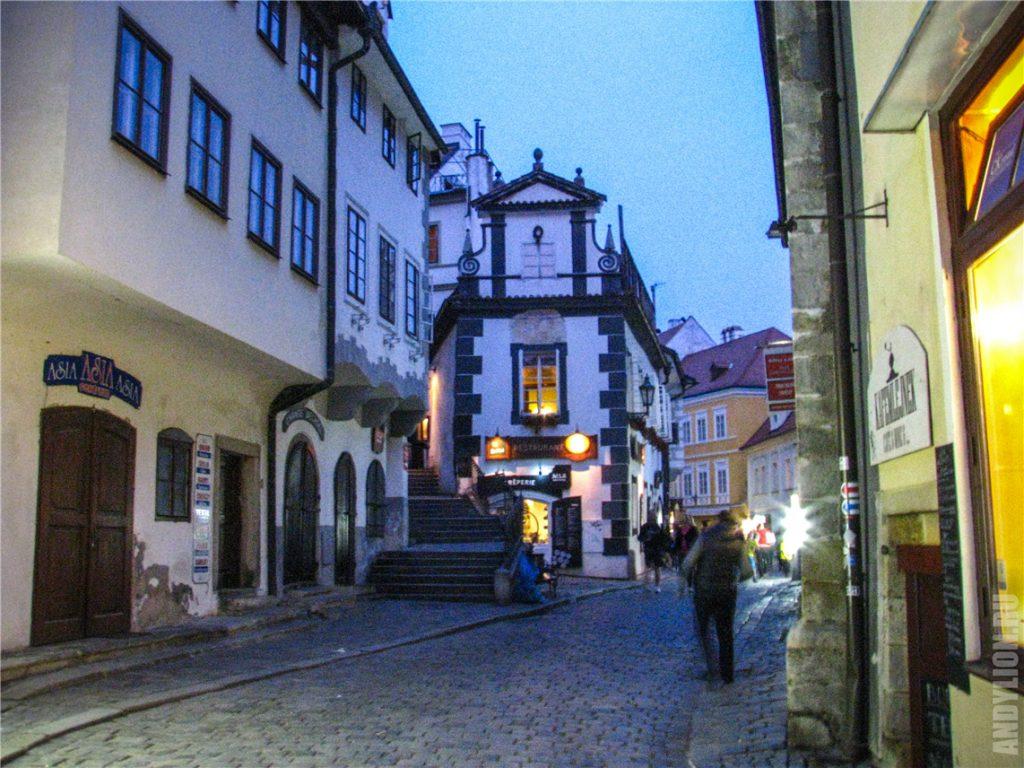 Лестница к Крумловскому замку
