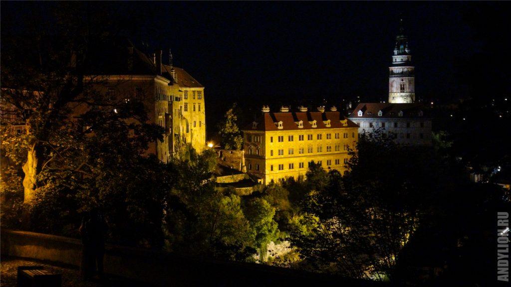 Крумловский замок вечером