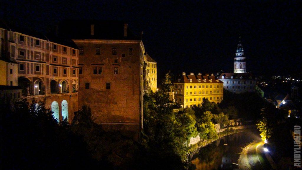 Крумловский замок и Влтава