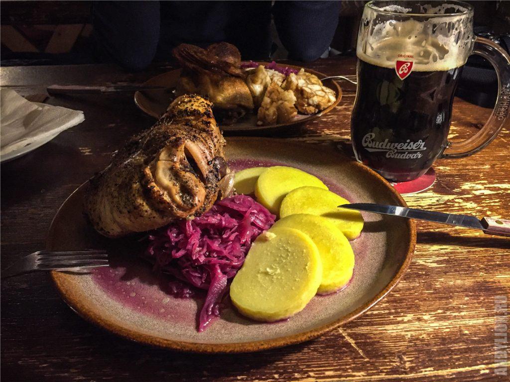 Ужин в Matsl Restauracia. Мясо и пиво.