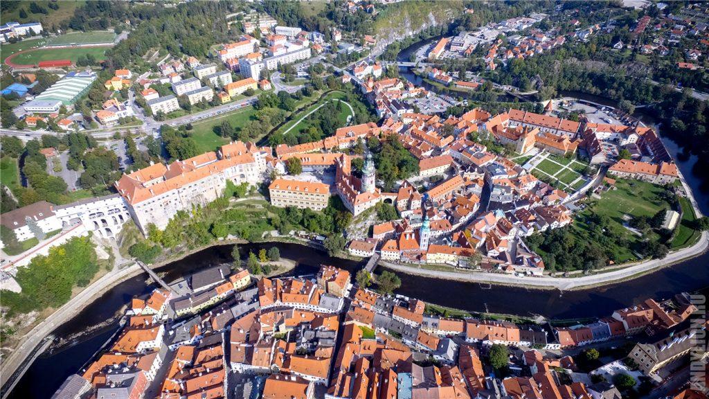 Крумловский замок как на ладони