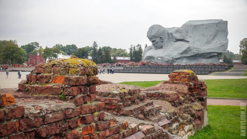 Главный монумент Брестской крепости