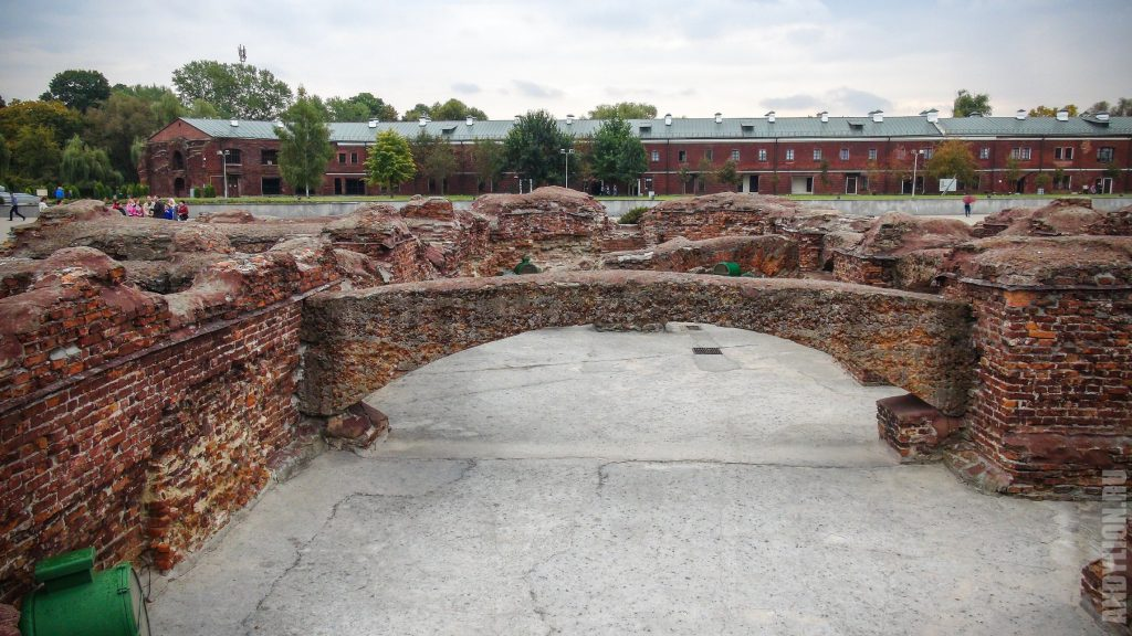 Остатки строений Брестской крепости