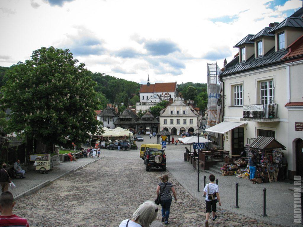 Рыночная площадь. Вид от костела.