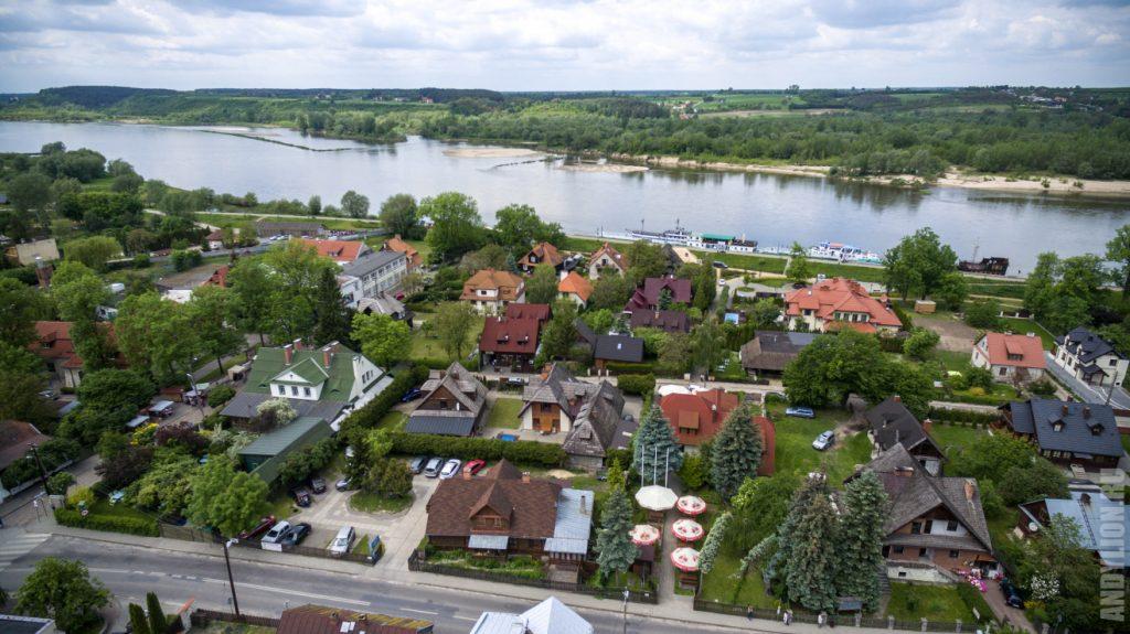 Висла и домики городка