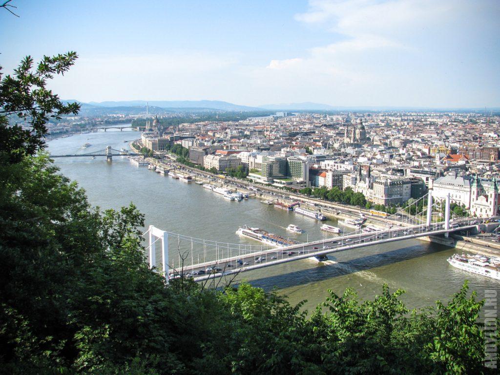 Будапешт с горы Геллерт. Мост Эржебет.