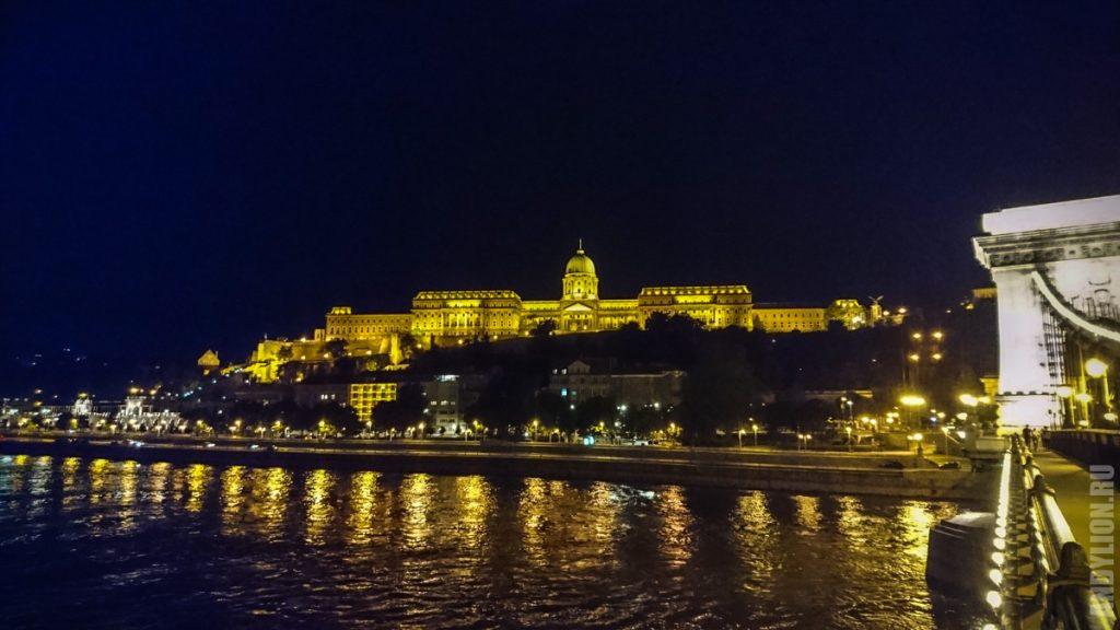 Будайская крепость ночью