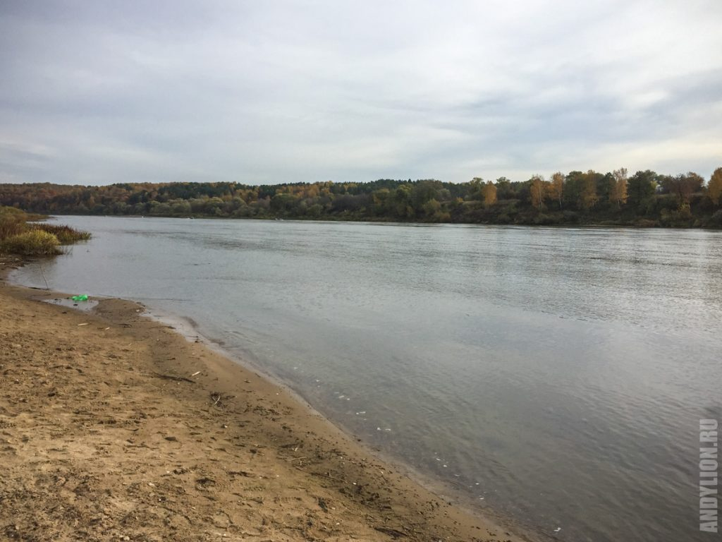 Река Ока. Пляж на базе отдыха ОТЭК Таруса.