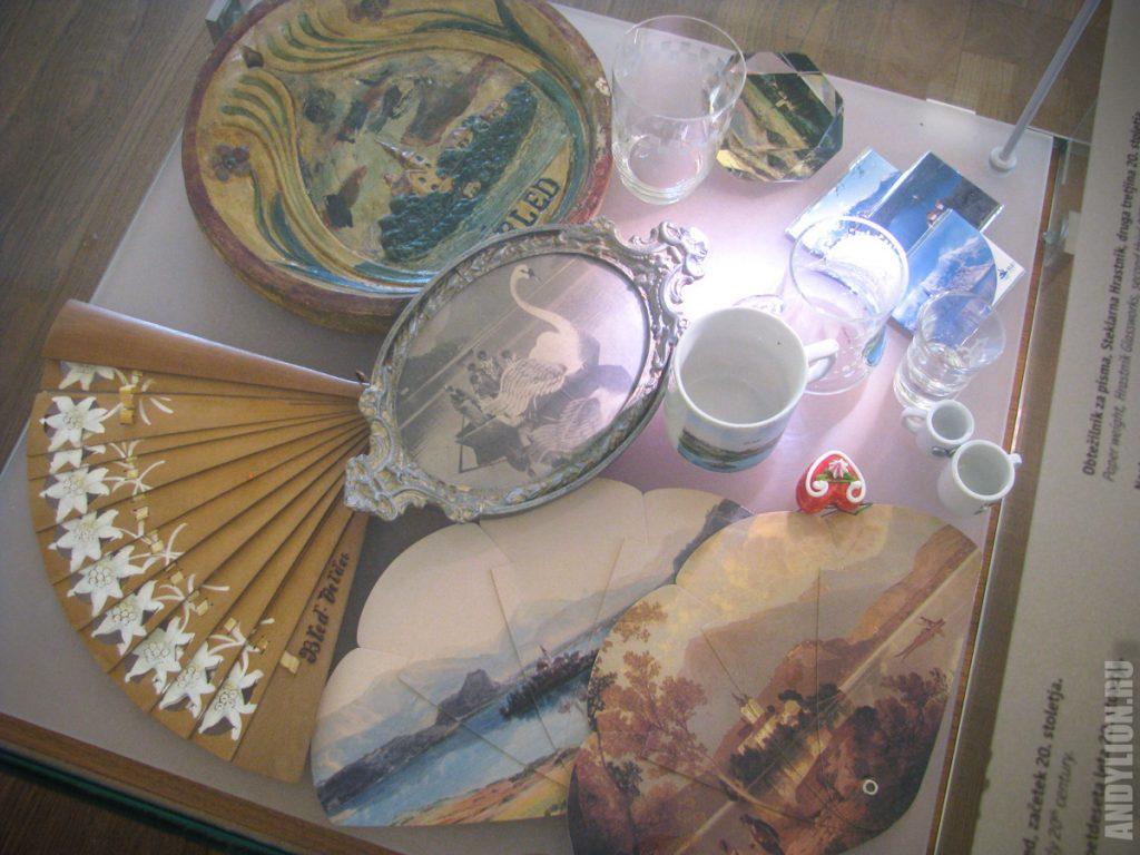 Посуда и предметы XX века