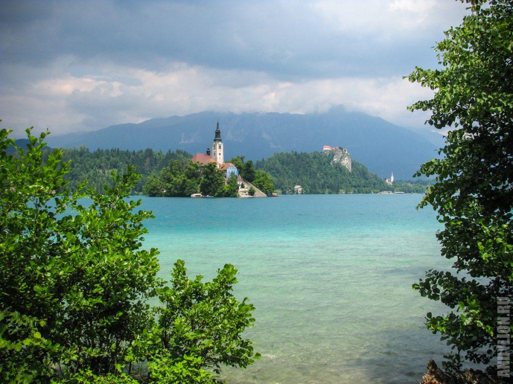 Блед. Озеро, остров и замок.