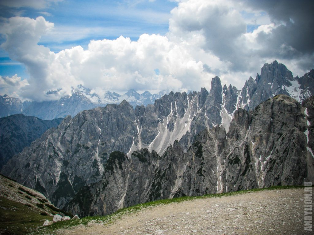 Скалы Доломитовых Альп