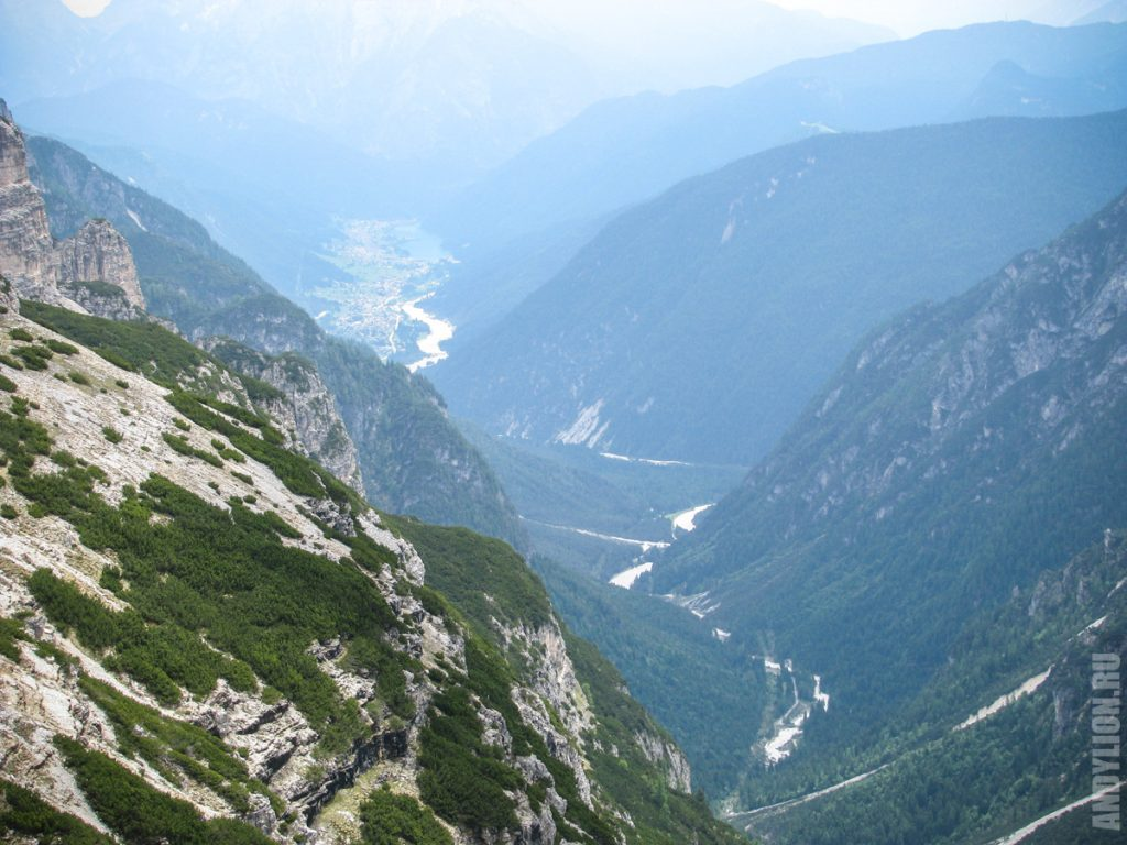 Вид на Ауронцо ди Кадоре (на горизонте)