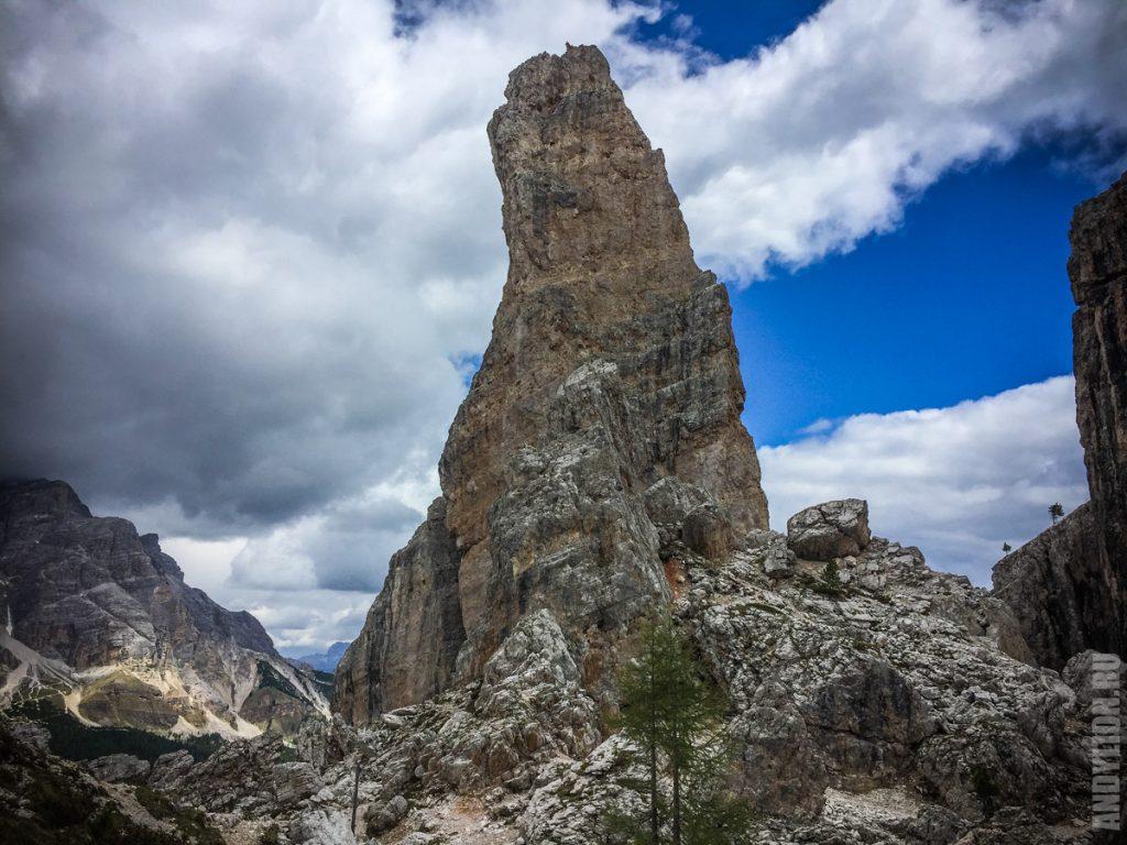 Одна из башен Cinque Torri
