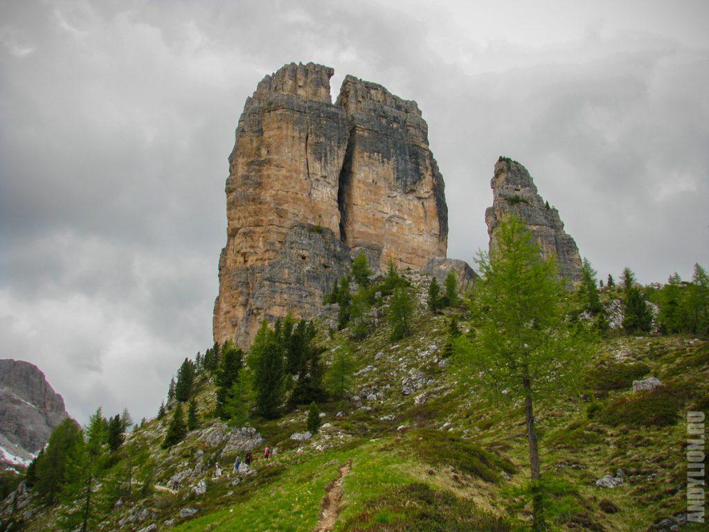 Пять башен Чинкве Тории (Cinque Torri)