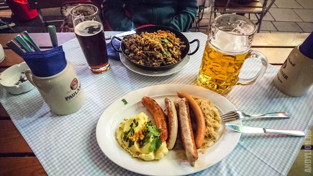 Мюнхен. Бавария. Пиво. Сосиски.