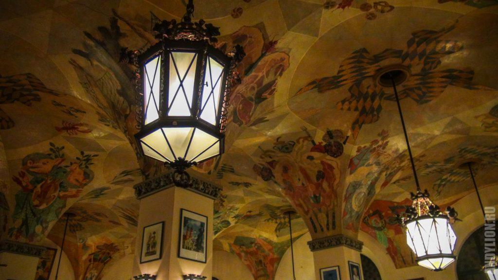 Расписной потолок в Хофбройхаус