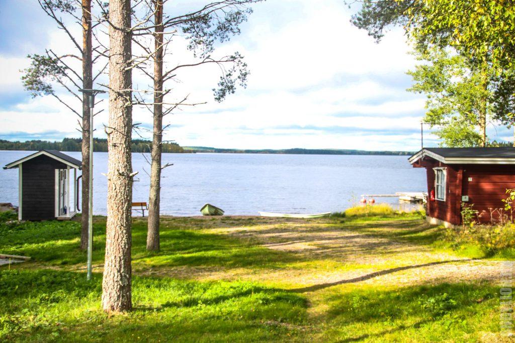 Озеро Ильярви в кемпинге Ристиярви Финляндия