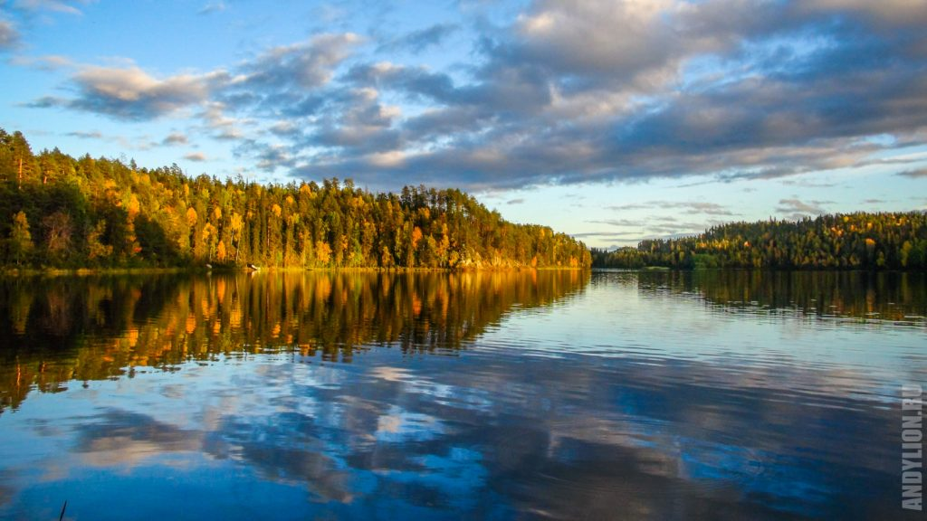 Озеро Савилампи на закате