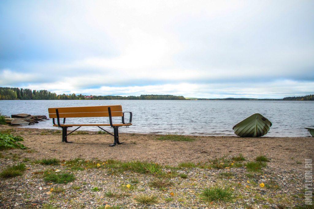 Озеро Ильярви в кемпинге Ристиярви