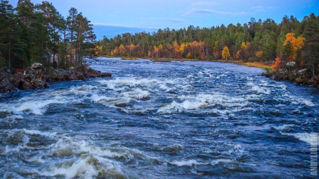 Осень в Лапландии. Река Ютуа.