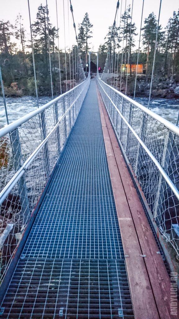 Подвесной мост Jäniskoski в Инари