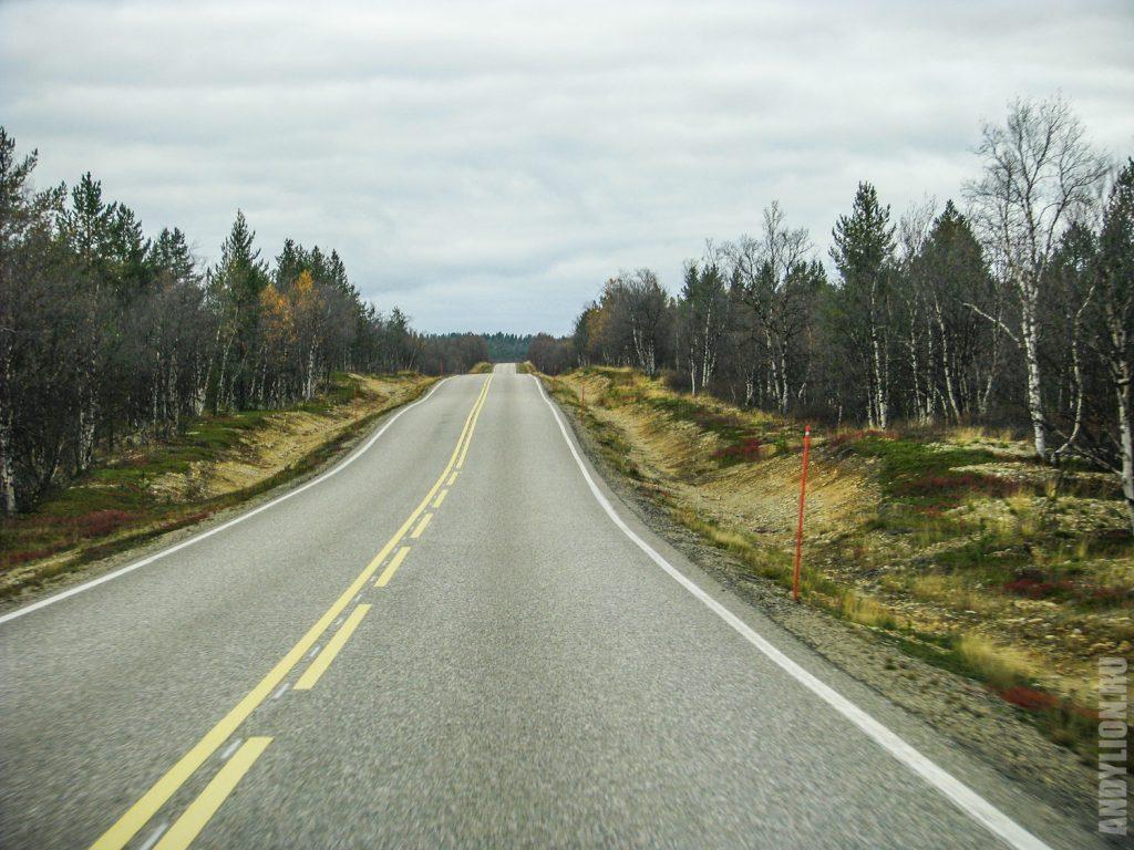 Автомобильная дорога в северной Лапландии