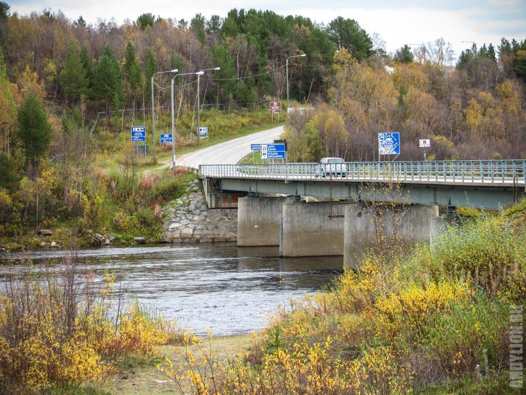 Мост-граница между Финляндией и Норвегией