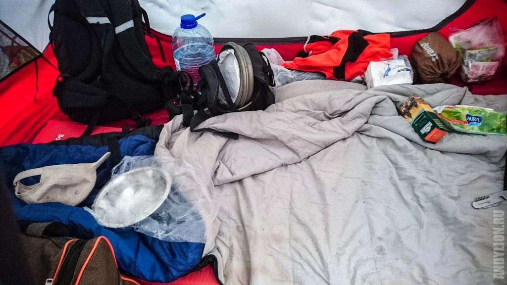 Как устроен быт в палатке