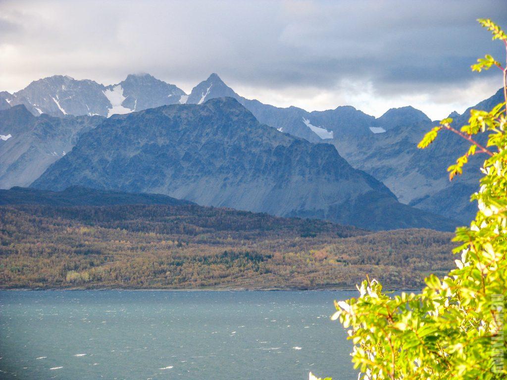 Суровые горы Северной Норвегии