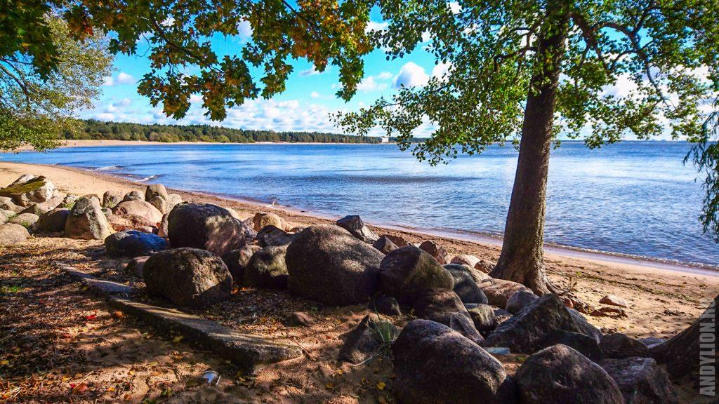 Пляж у Финского залива в Репино